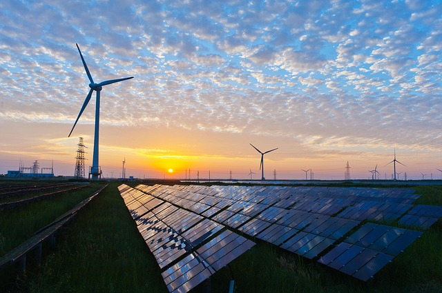 The United States will launch a record 15.4gw public scale solar energy this year(图1)